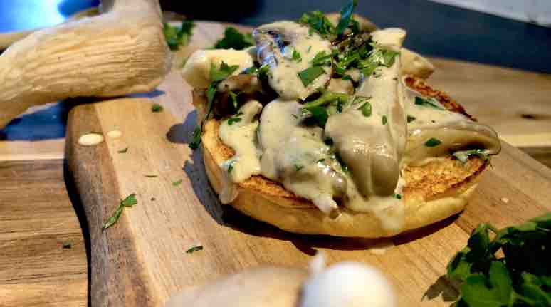 cheap dinner ideas garlic mushrooms on toast